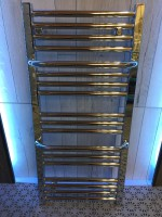 Aktion ab Ausstellung, Handtuchtrockner POP 865x400 in chrom